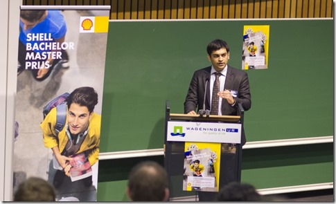 Zaid Thanawala speaking at the award ceremony where he received the 2014 Shell Bachelor Master Award