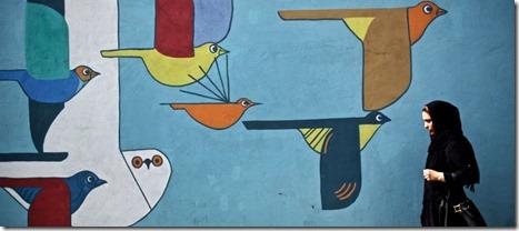 iran-mural-girl-1439744451