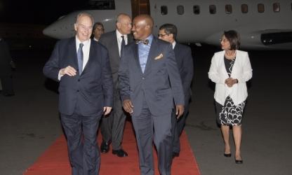 Mawlana Hazar Imam is escorted by Hon Ndung'u Gethenji upon his arrival in Nairobi