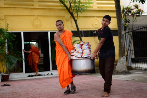 Buddist monks initiative for serving iftar to Muslims in Bangladesh