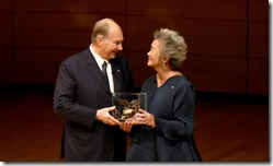 Adrienne Clarkson presents Mawlana Hazar Imam with the Adrienne Clarkson Prize for Global Citizenship in Toronto's Koerner Hall.