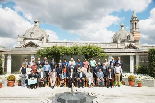 Participants-faculty-and-staff-members-at-the-Summer-Programme-on-Islam-held-at-the-Ismaili-Cent.jpg