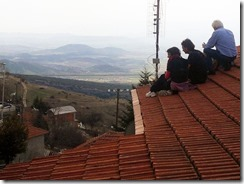 Antenna installation for the Sarantaporo.gr Community Network. Personal Cinema, Author provided