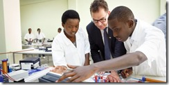 Minister Mueller with Polythechnic students in Kigali, Rwanda. He wants more private investment in Africa  © BMZ