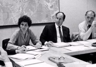Members of the first Aga Khan Award for Architecture steering committee deliberating in Boston, in 1979. (From Left to Right) Renata Holod, Mawlana Hazar Imam, and Oleg Grabar.PHOTO: AGA KHAN AWARD FOR ARCHITECTURE