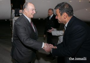 Mawlana Hazar Imam is greeted by Ameerally Kassim-Lakha, President of the Ismaili Council for Canada, ahead of the Global Pluralism Awards 2019.PHOTO: MO GOVINDJI