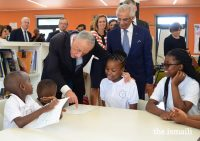 resident Marcelo Rebelo de Sousa interacts with students during a visit to the Aga Khan Academy in Maputo. PHOTO: OTTO EVANDSON / AKDN